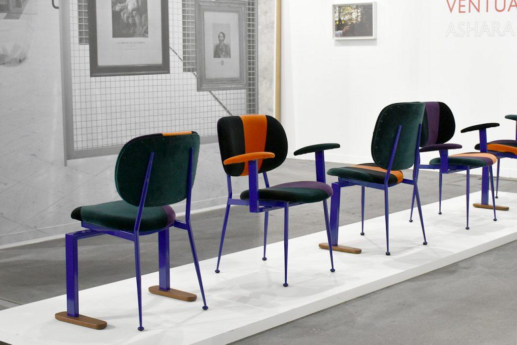Les Montecatini Chair #01 de Martino Gamper sont toutes uniques et produites à partir de chaises récupérées des thermes de Montecatini (Galerie Franco Noero, Turin).
