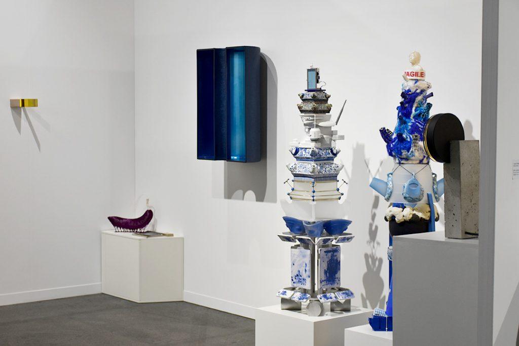 Fondé il y a un peu plus d'un an, la jeune galerie Roehrs & Botsch basée à Zürich en est déjà à sa deuxième participation à Artgenève. Rare galerie de design sur la foire, elle présente entre autres des pièces de Jing He et de OS ∆ OOS