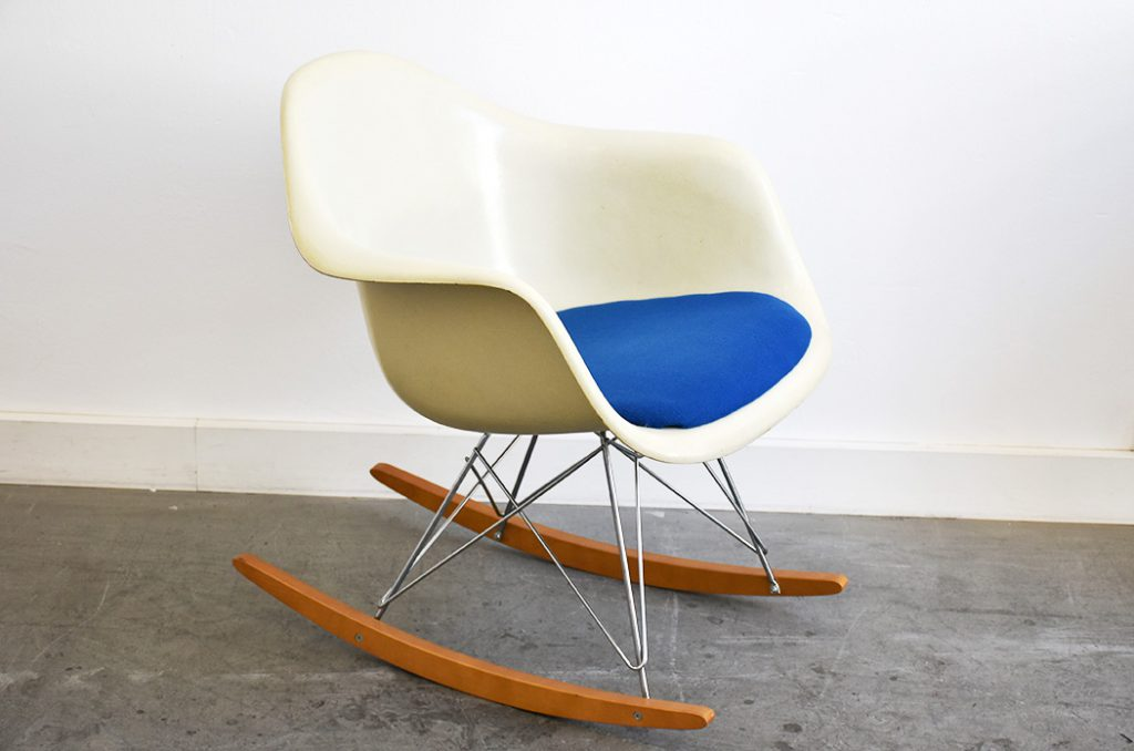 Rocking Armchair Rod, Charles & Ray Eames, Vitra. Photo © Kissthedesign